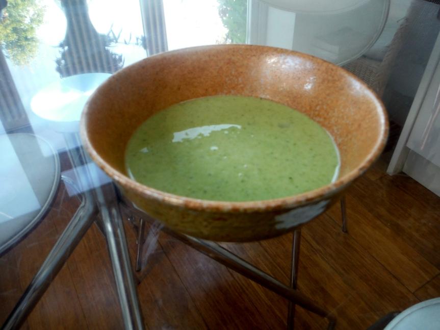 えんどう豆とミントスープ