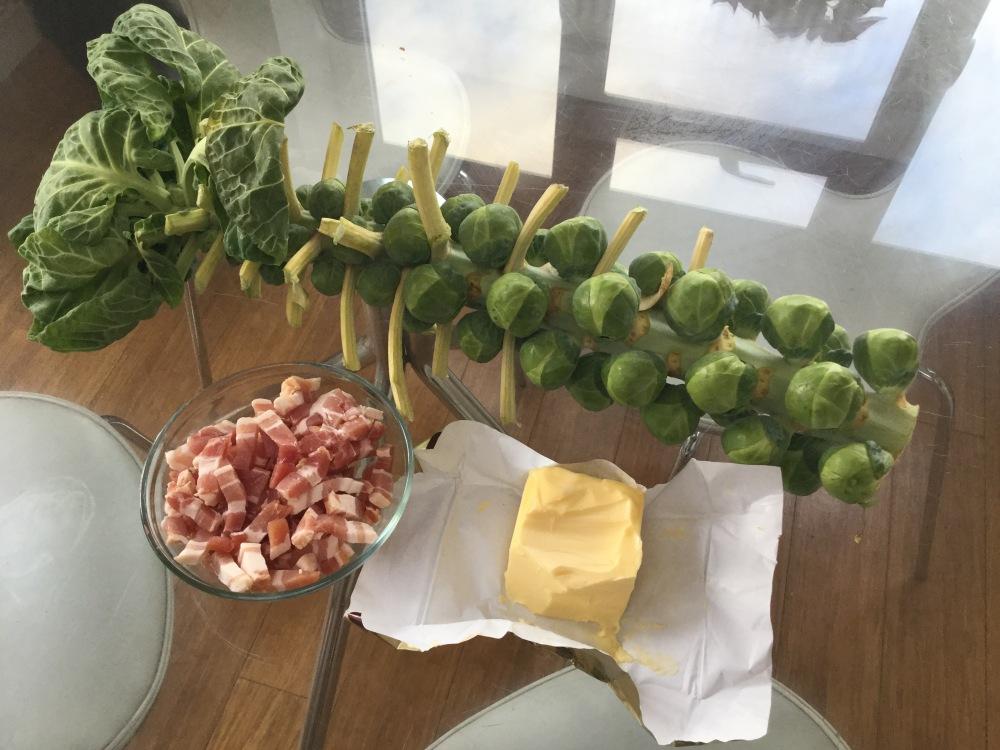 芽キャベツとベーコンの材料